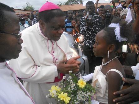 Visite pastorale de Mgr Daniel Nlandu à Christ-Roi (4)