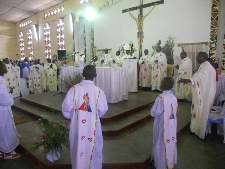 Visite pastorale de Mgr Daniel Nlandu à Christ-Roi (43)