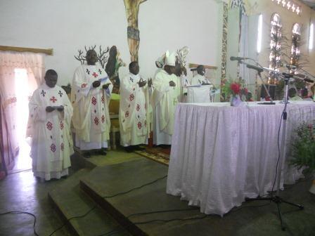 Visite pastorale de Mgr Daniel Nlandu à Christ-Roi (45)