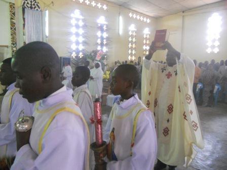 Visite pastorale de Mgr Daniel Nlandu à Christ-Roi (50)