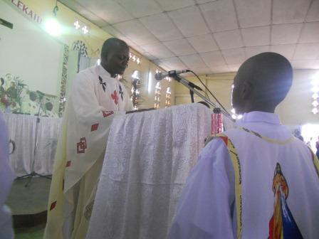 Visite pastorale de Mgr Daniel Nlandu à Christ-Roi (51)
