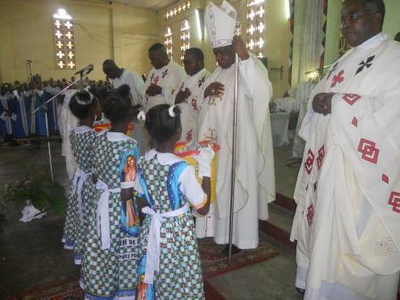 Visite pastorale de Mgr Daniel Nlandu à Christ-Roi (53)