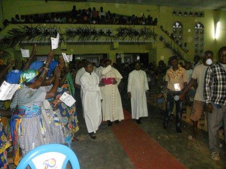 Visite pastorale de Mgr Daniel Nlandu à Christ-Roi (6)