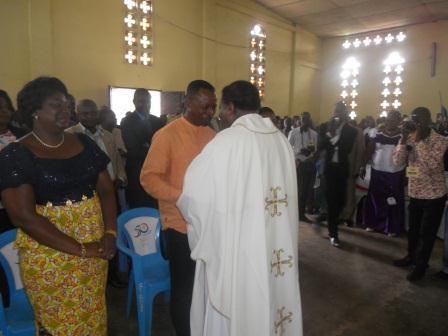 Visite pastorale de Mgr Daniel Nlandu à Christ-Roi (62)