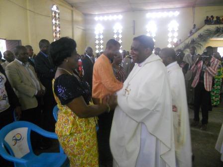 Visite pastorale de Mgr Daniel Nlandu à Christ-Roi (63)