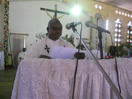 Visite pastorale de Mgr Daniel Nlandu à Christ-Roi (66)