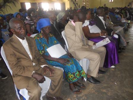 Visite pastorale de Mgr Daniel Nlandu à Christ-Roi (75)