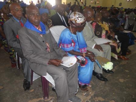 Visite pastorale de Mgr Daniel Nlandu à Christ-Roi (76)