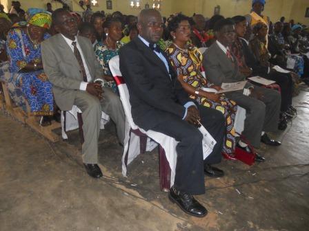 Visite pastorale de Mgr Daniel Nlandu à Christ-Roi (77)