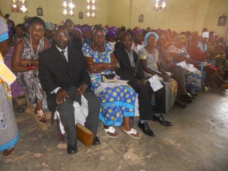Visite pastorale de Mgr Daniel Nlandu à Christ-Roi (78)