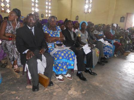 Visite pastorale de Mgr Daniel Nlandu à Christ-Roi (79)
