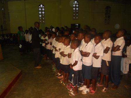 Visite pastorale de Mgr Daniel Nlandu à Christ-Roi (8)