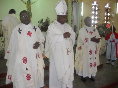 Visite pastorale de Mgr Daniel Nlandu à Christ-Roi (80)