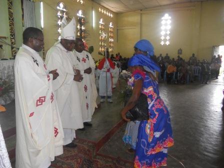 Visite pastorale de Mgr Daniel Nlandu à Christ-Roi (82)