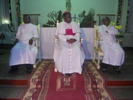 Visite pastorale de Mgr Daniel Nlandu à Christ-Roi (9)