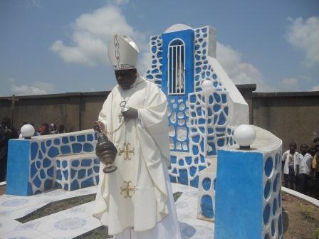 Visite pastorale de Mgr Daniel Nlandu à Christ-Roi (99)