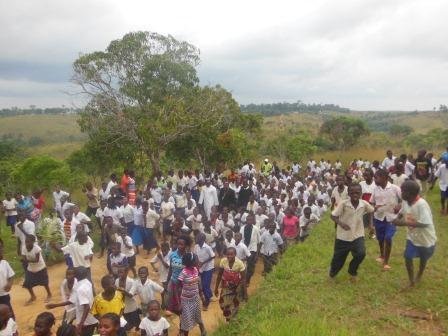 Visite pastorale de Mgr Daniel Nlandu à Miyamba (10)