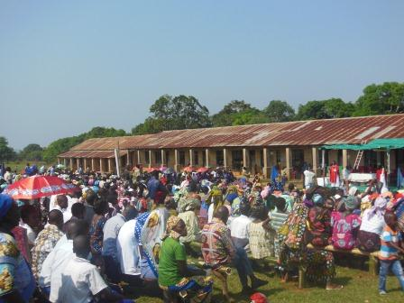 Visite pastorale de Mgr Daniel Nlandu à Miyamba (13)