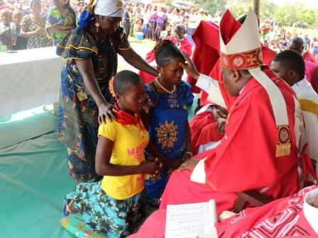 Visite pastorale de Mgr Daniel Nlandu à Miyamba (19)