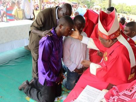 Visite pastorale de Mgr Daniel Nlandu à Miyamba (21)