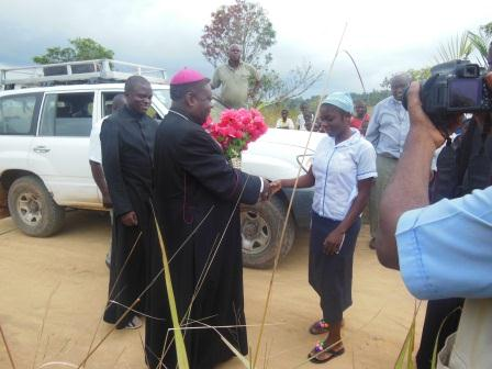 Visite pastorale de Mgr Daniel Nlandu à Miyamba (6)