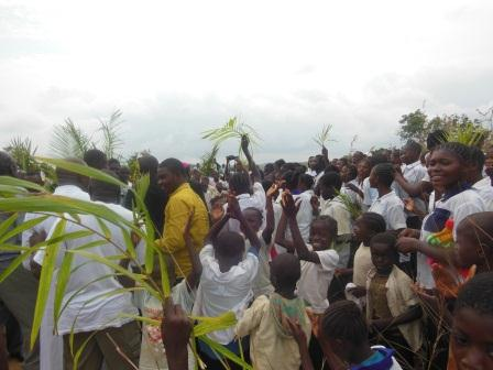 Visite pastorale de Mgr Daniel Nlandu à Miyamba (8)