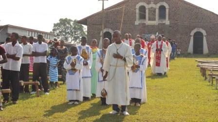 Visite pastorale de Mgr Daniel Nlandu à Miyamba (9)