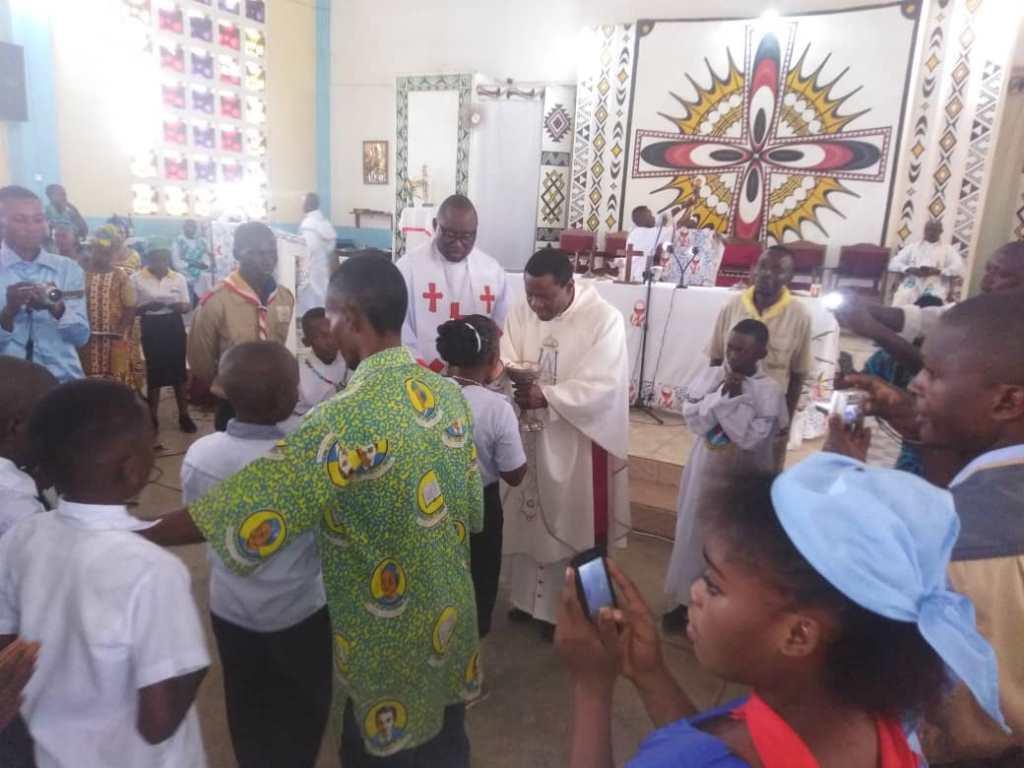 Premiere communion a saint joseph8